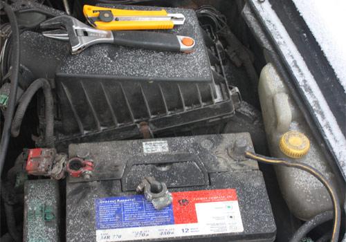 Старые клеммы аккумулятора авто