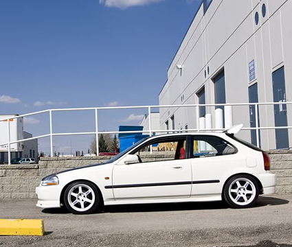 Rays Volk Racing TE37 White on Honda Civic EK (6 Gen)