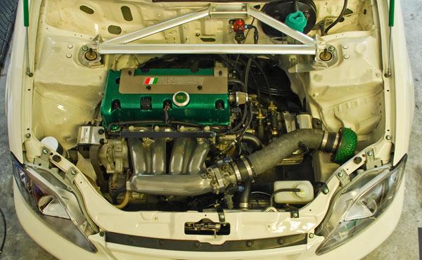 Шейвинг подкапотного пространства Honda Civic EK