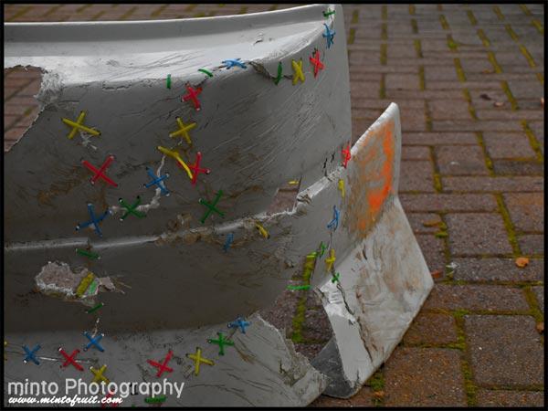 Сшиваем бампер пластиковыми хомутами