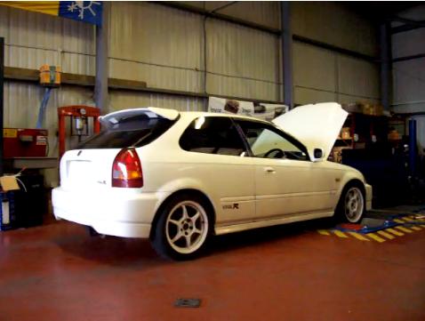 Honda EK9 на диностенде (роликовом тормозном стенде)